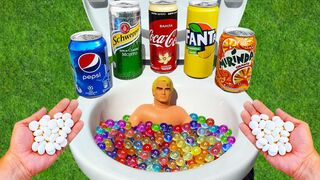 Experiment ! Stretch Armstrong VS Cola Vanilla, Pepsi, Fanta, Schweppes, Mentos in Toilet