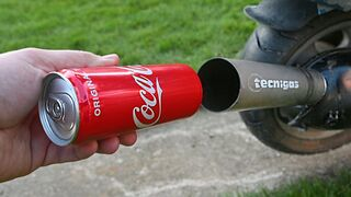 EXPERIMENT COCA COLA CAN IN 100°C MOTORCYCLE EXHAUST
