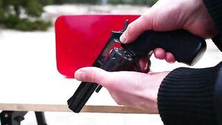 Experiment: Gun vs XXL Jelly